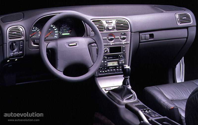 VOLVO V40 specs & photos - 1996, 1997, 1998, 1999, 2000 - autoevolution