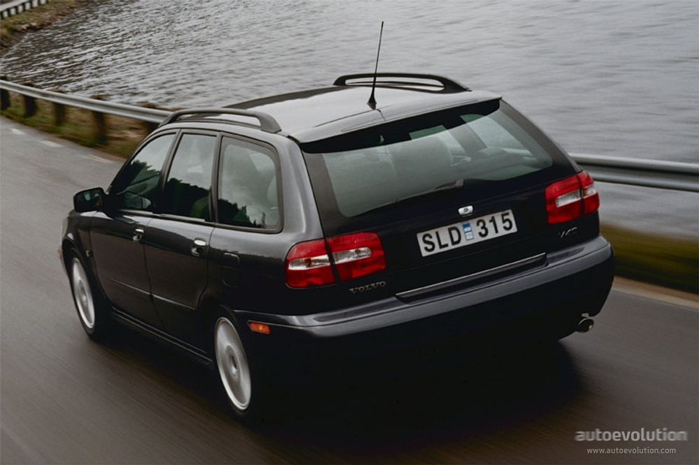 VOLVO V40 specs & photos - 2000, 2001, 2002, 2003, 2004 - autoevolution