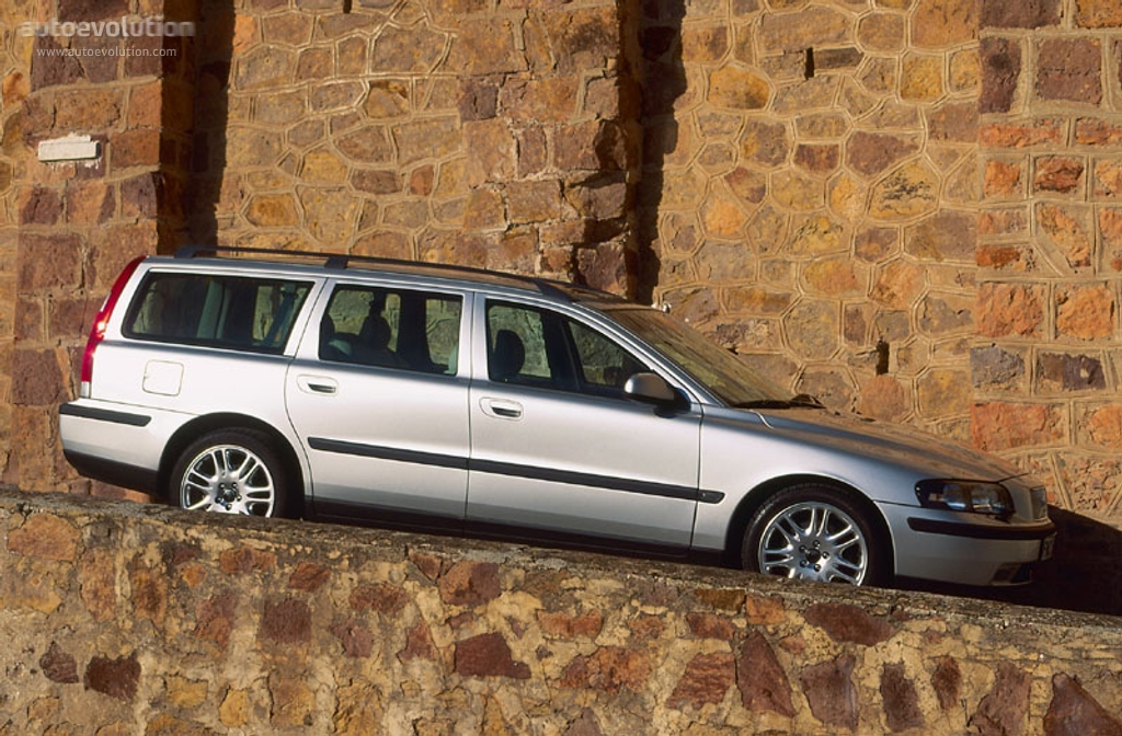 VOLVO V70 specs & photos - 2000, 2001, 2002, 2003, 2004 - autoevolution