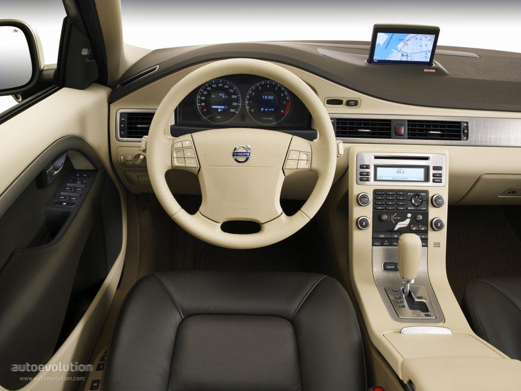 volvo xc70 specs 2007 2008 2009 2010 2011 2012 2013 2014 rh autoevolution com 2010 volvo xc60 manual 2010 volvo xc70 owner's manual