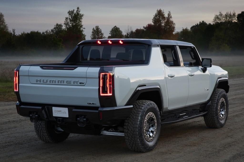 GMC Hummer EV specs & photos - 2021 - autoevolution