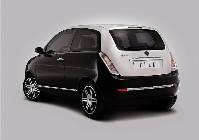 Lancia ypsilon unyca 2010 2011 autoevolution - Lancia y diva 2010 ...