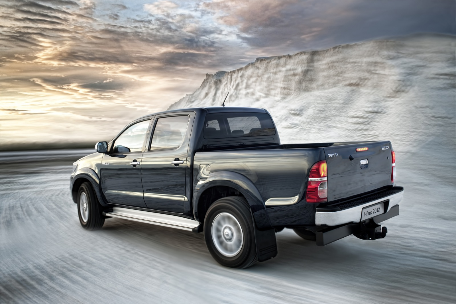 TOYOTA Hilux Double Cab 2011 2016