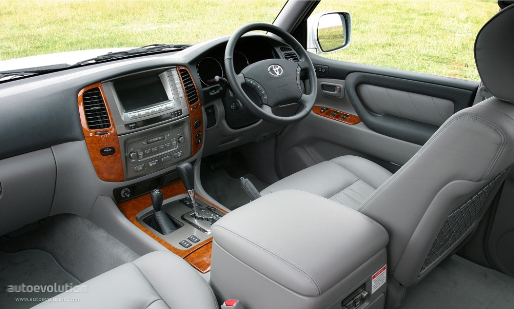 toyota land cruiser 100 specs 2002 2003 2004 2005 2006 2007 autoevolution. Black Bedroom Furniture Sets. Home Design Ideas
