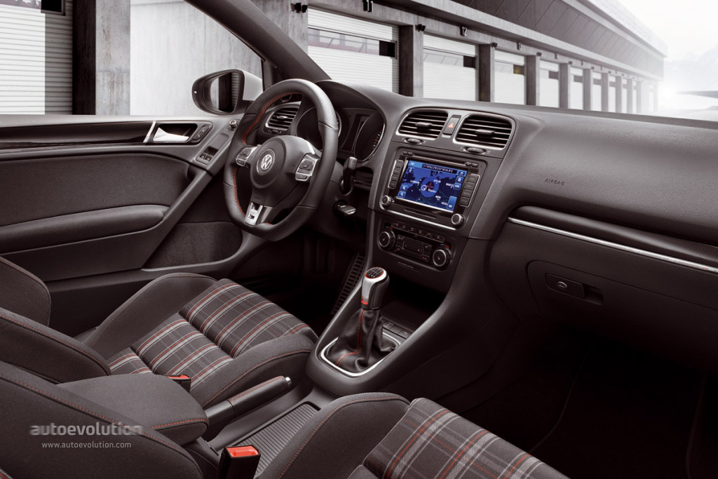 2017 Volkswagen Golf Tsi S >> VOLKSWAGEN Golf GTI 5 Doors - 2008, 2009, 2010, 2011, 2012, 2013 - autoevolution