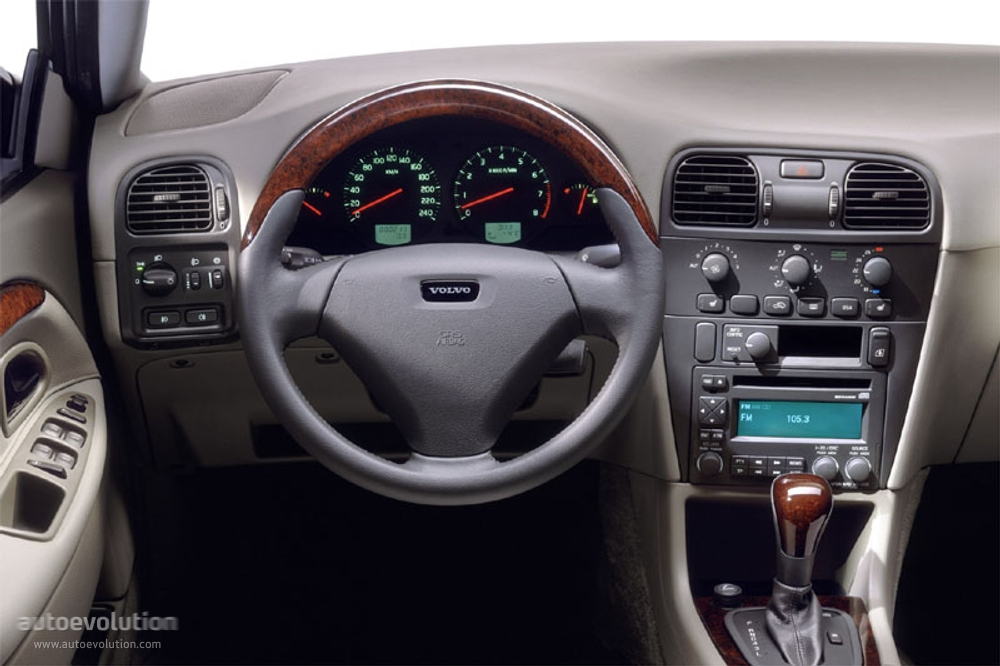 VOLVO V40 - 2000, 2001, 2002, 2003, 2004 - autoevolution