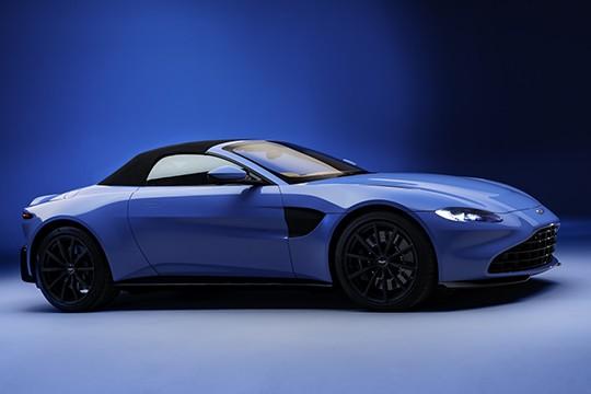 Aston Martin Vantage Roadster Spezifikationen Fotos 2020 2021 Autoevolution In Deutscher Sprache