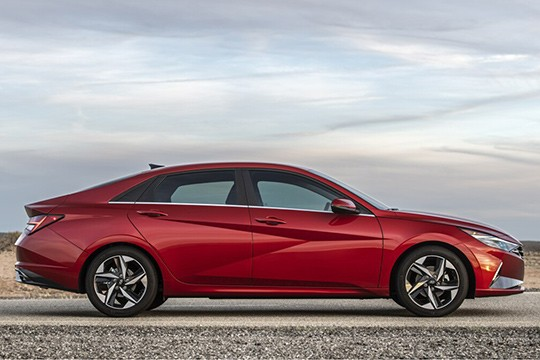 Hyundai Elantra Sedan Models And Generations Timeline Specs And Pictures By Year Autoevolution