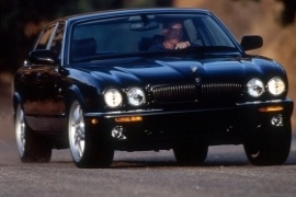 Jaguar Xj Models And Generations Timeline Specs And Pictures By Year Autoevolution