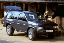 NISSAN Terrano 5 Doors specs & photos - 1990, 1991, 1992 ...