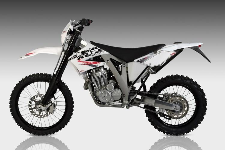 Production Version of New AJP PR7 600cc Dual Sport Unveiled