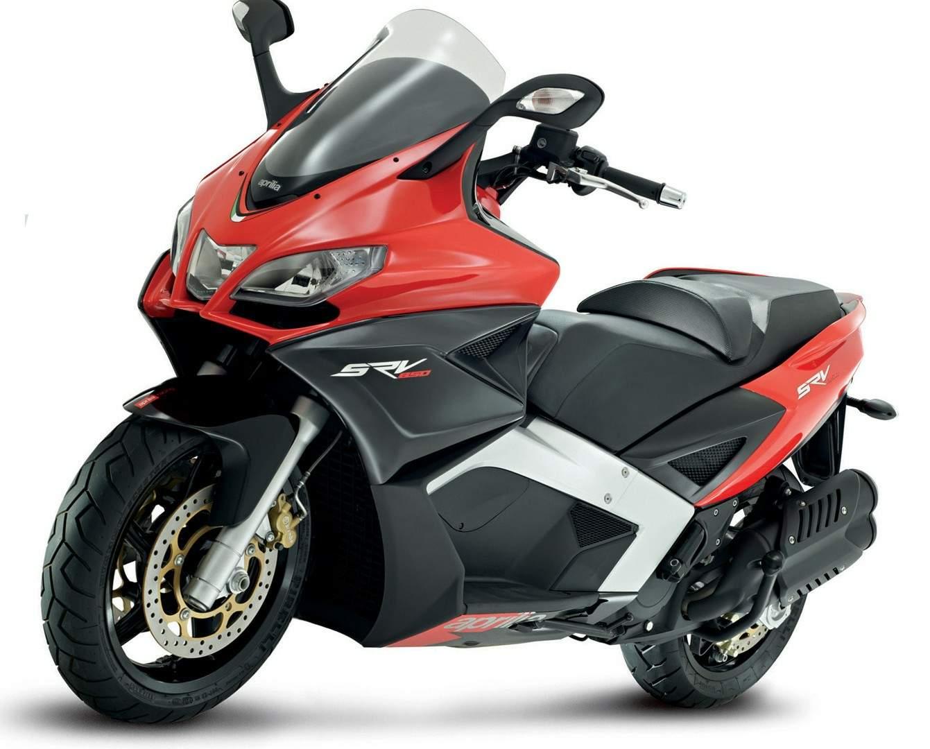 moto scooter aprilia 850
