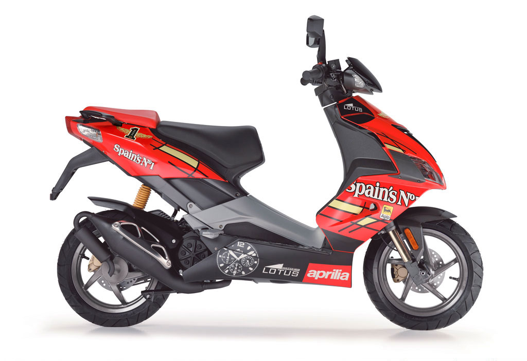 aprilia sr50 r factory specs 2007 2008 autoevolution. Black Bedroom Furniture Sets. Home Design Ideas