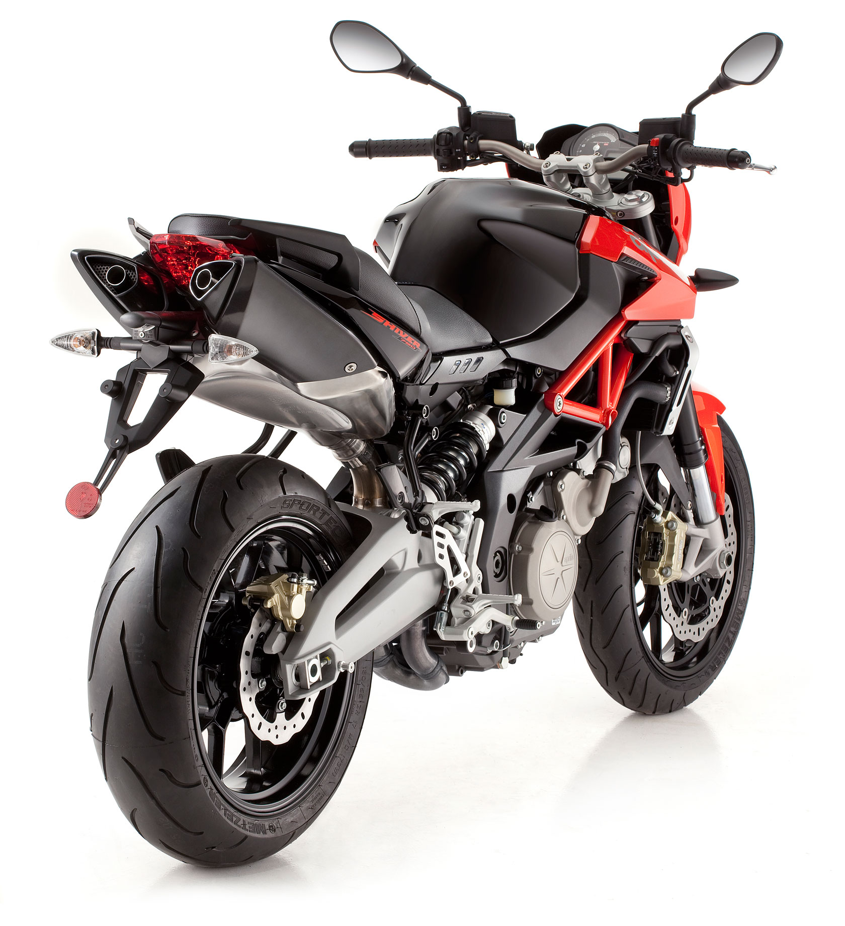 aprilia shiver 750 2010 2011 autoevolution. Black Bedroom Furniture Sets. Home Design Ideas