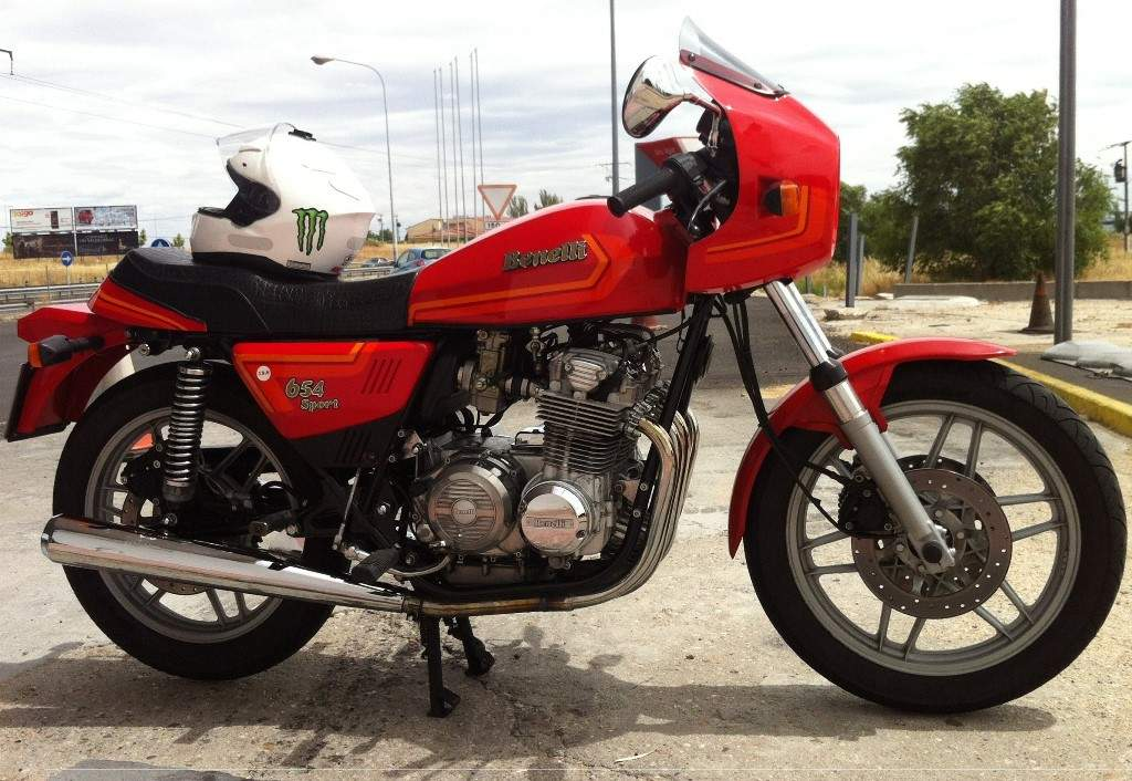 Review of Benelli 654 Sport 1982: pictures, live photos