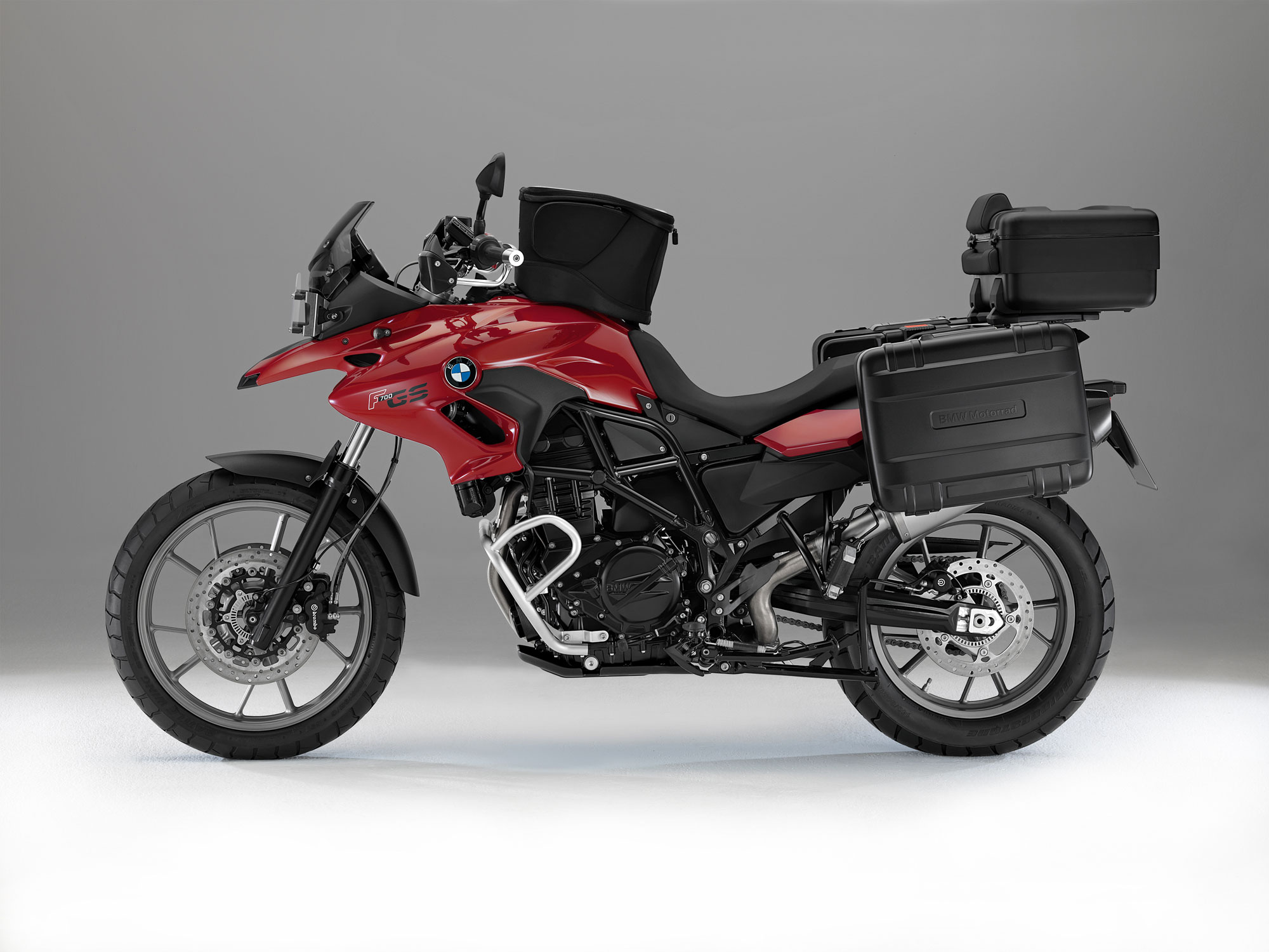 bmw f 700 gs 2012 2013 autoevolution. Black Bedroom Furniture Sets. Home Design Ideas