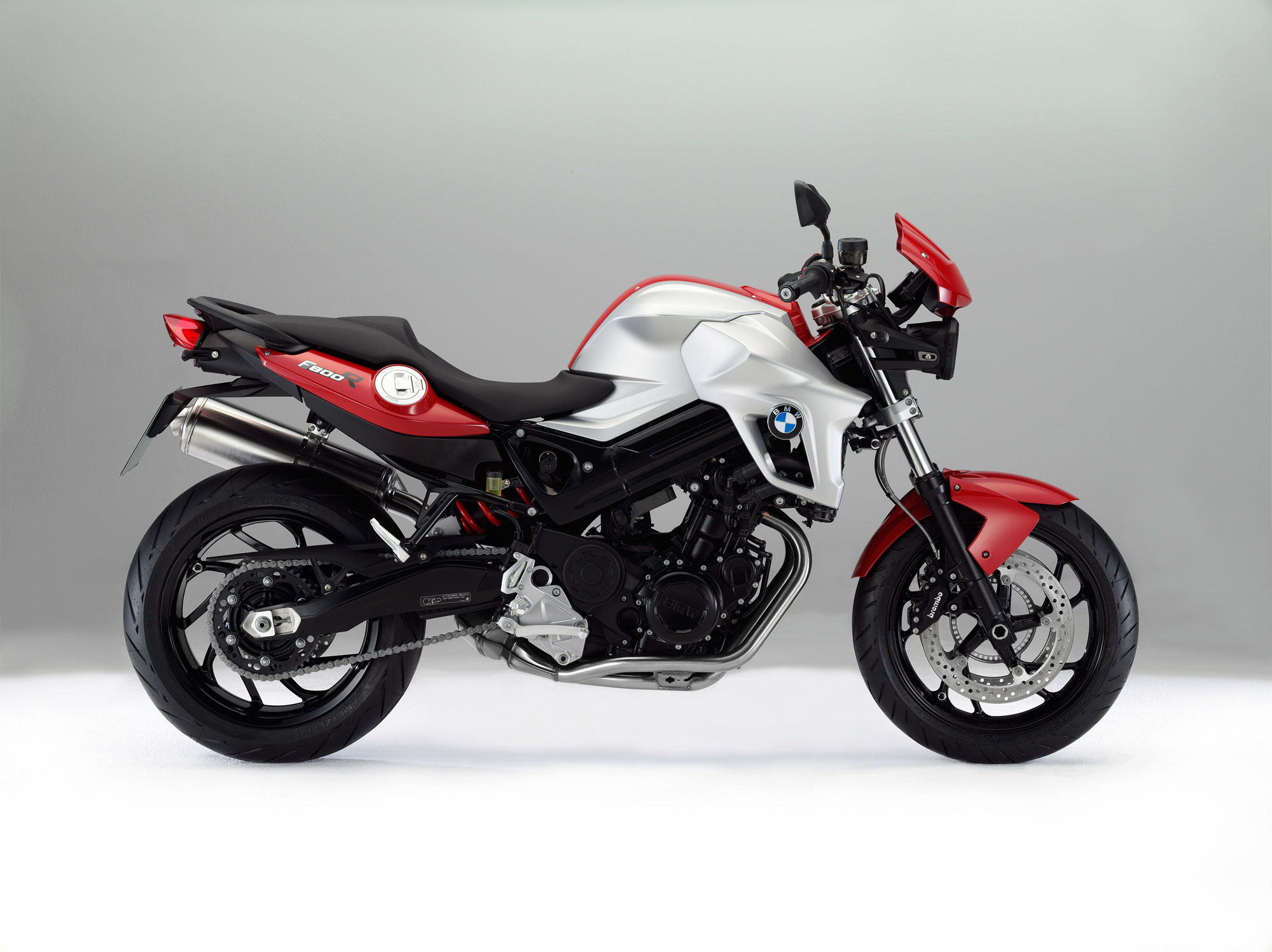 bmw f 800 r specs 2011 2012 autoevolution. Black Bedroom Furniture Sets. Home Design Ideas