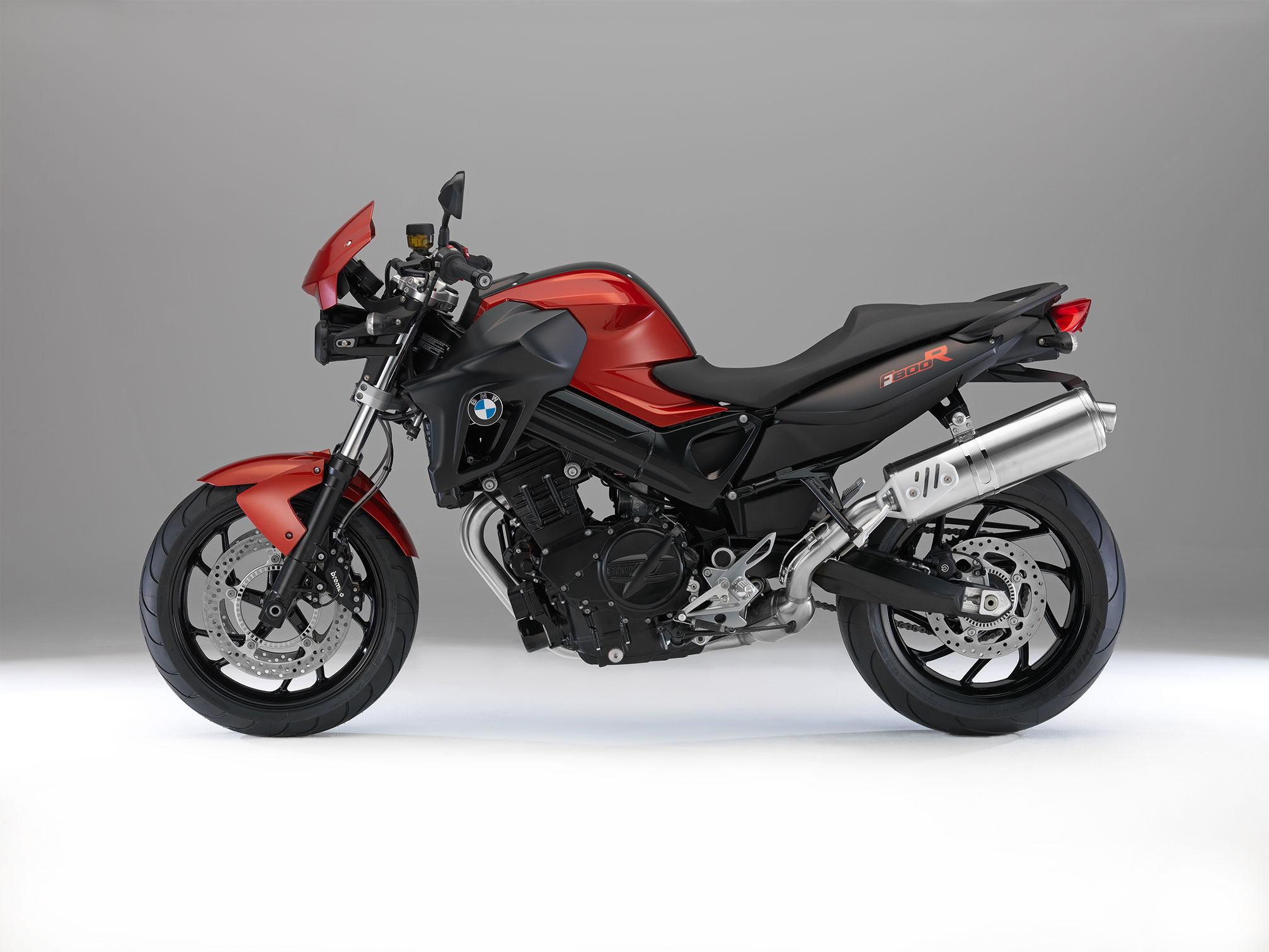 bmw f 800 r specs 2013 2014 autoevolution. Black Bedroom Furniture Sets. Home Design Ideas