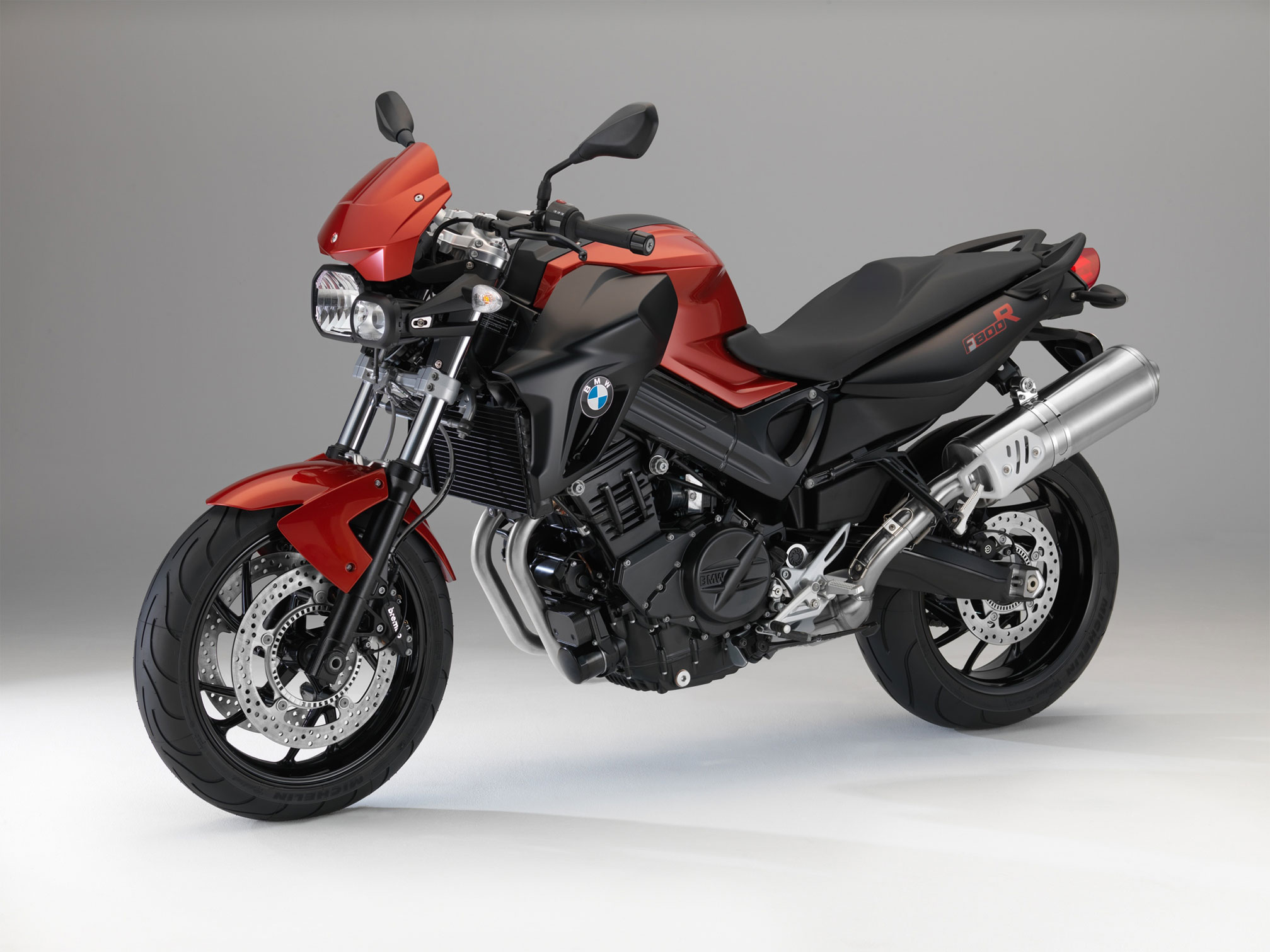 bmw f 800 r 2014 2015 autoevolution. Black Bedroom Furniture Sets. Home Design Ideas