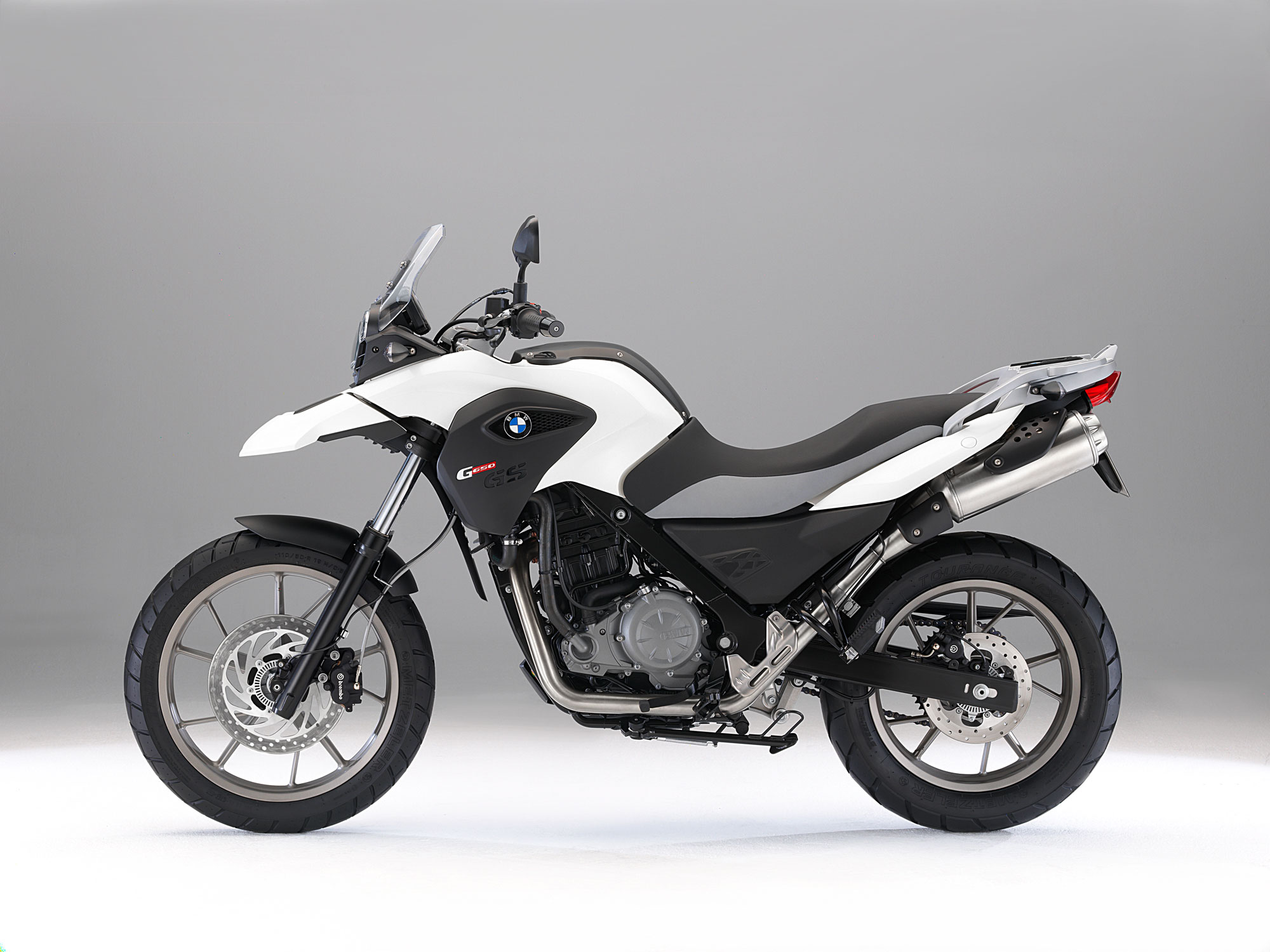 bmw g 650 gs specs 2011 2012 autoevolution. Black Bedroom Furniture Sets. Home Design Ideas
