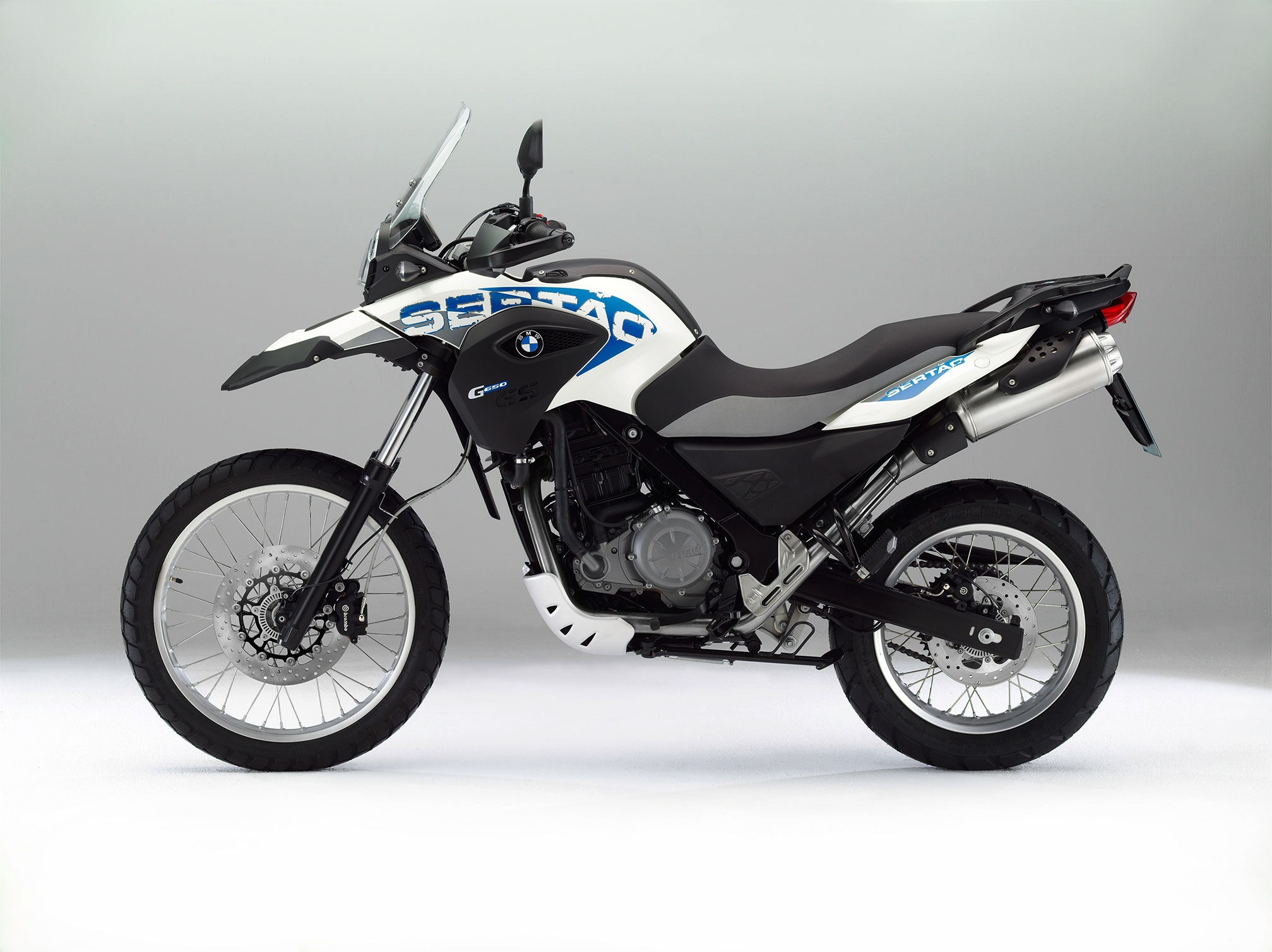bmw g 650 gs sert o specs 2014 2015 autoevolution. Black Bedroom Furniture Sets. Home Design Ideas