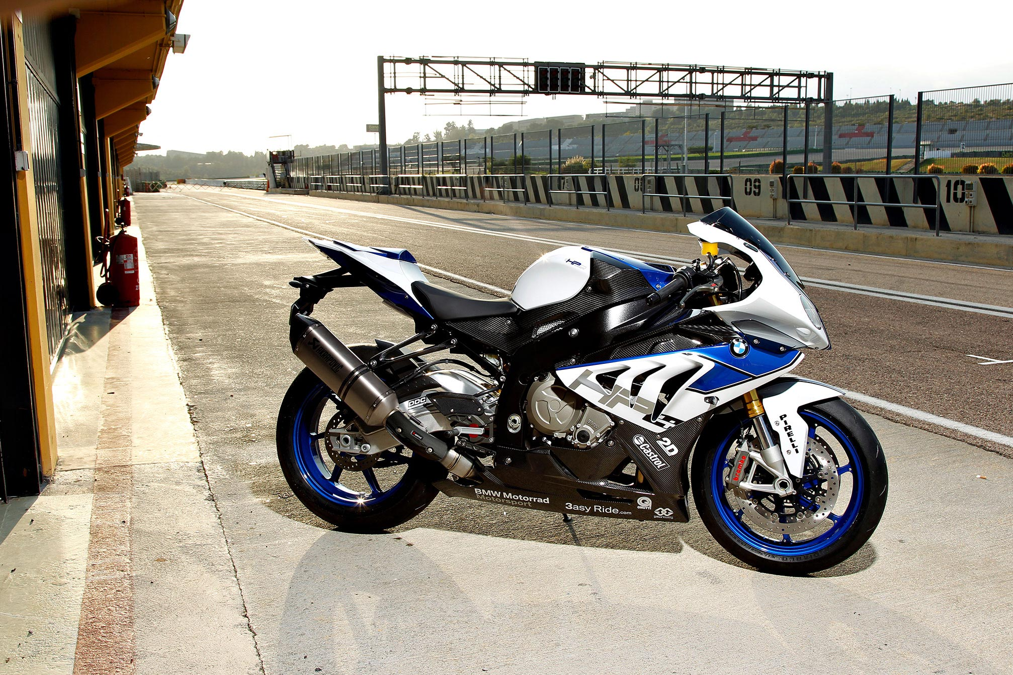 BMW HP4 specs  2013, 2014  autoevolution