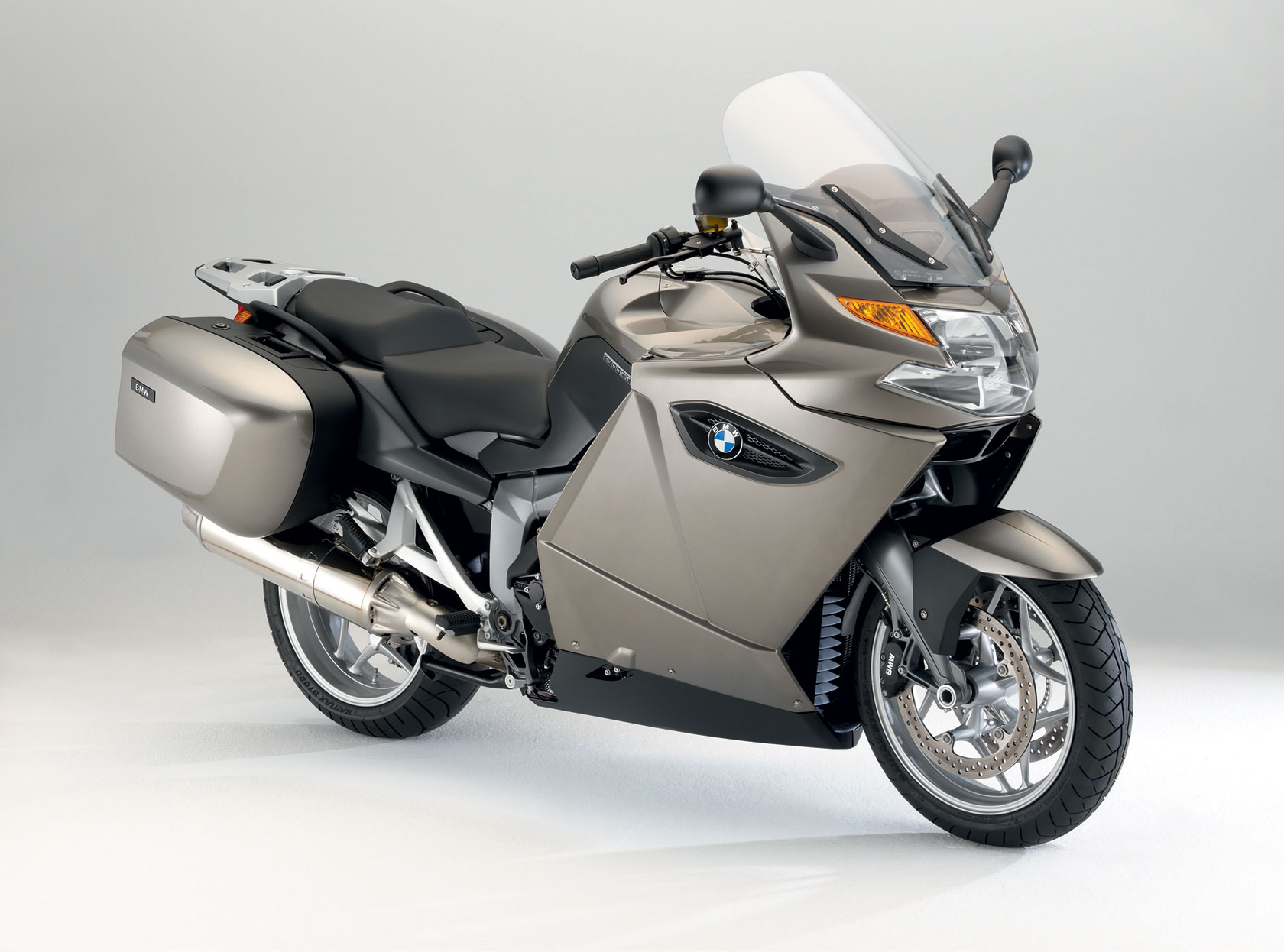 bmw k 1300 gt 2008 2009 autoevolution. Black Bedroom Furniture Sets. Home Design Ideas