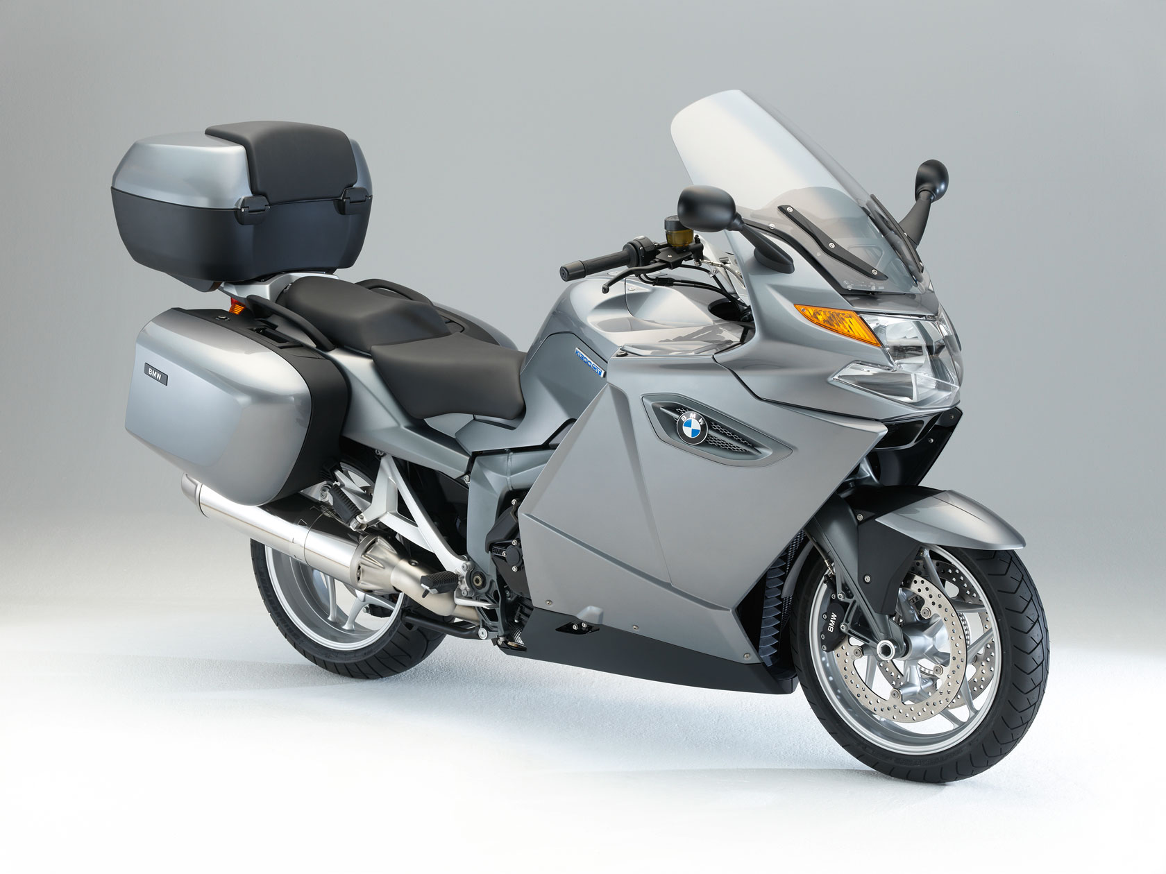 bmw k 1300 gt specs 2010 2011 autoevolution. Black Bedroom Furniture Sets. Home Design Ideas
