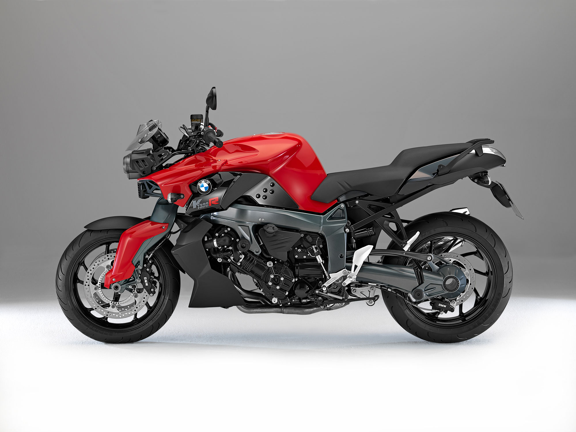 bmw k 1300 r specs 2012 2013 autoevolution. Black Bedroom Furniture Sets. Home Design Ideas