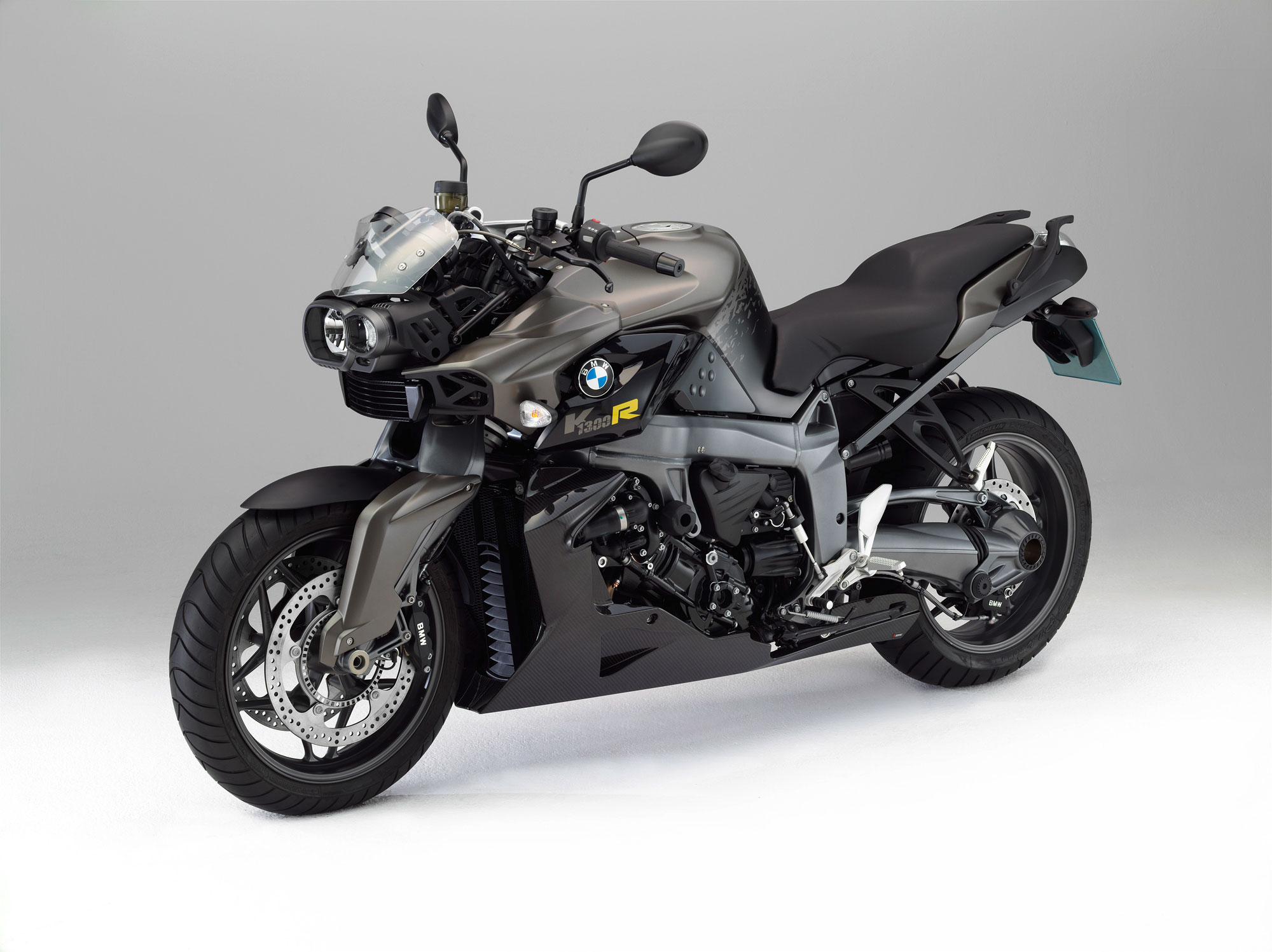 bmw k 1300 r carbon specs 2011 2012 autoevolution. Black Bedroom Furniture Sets. Home Design Ideas