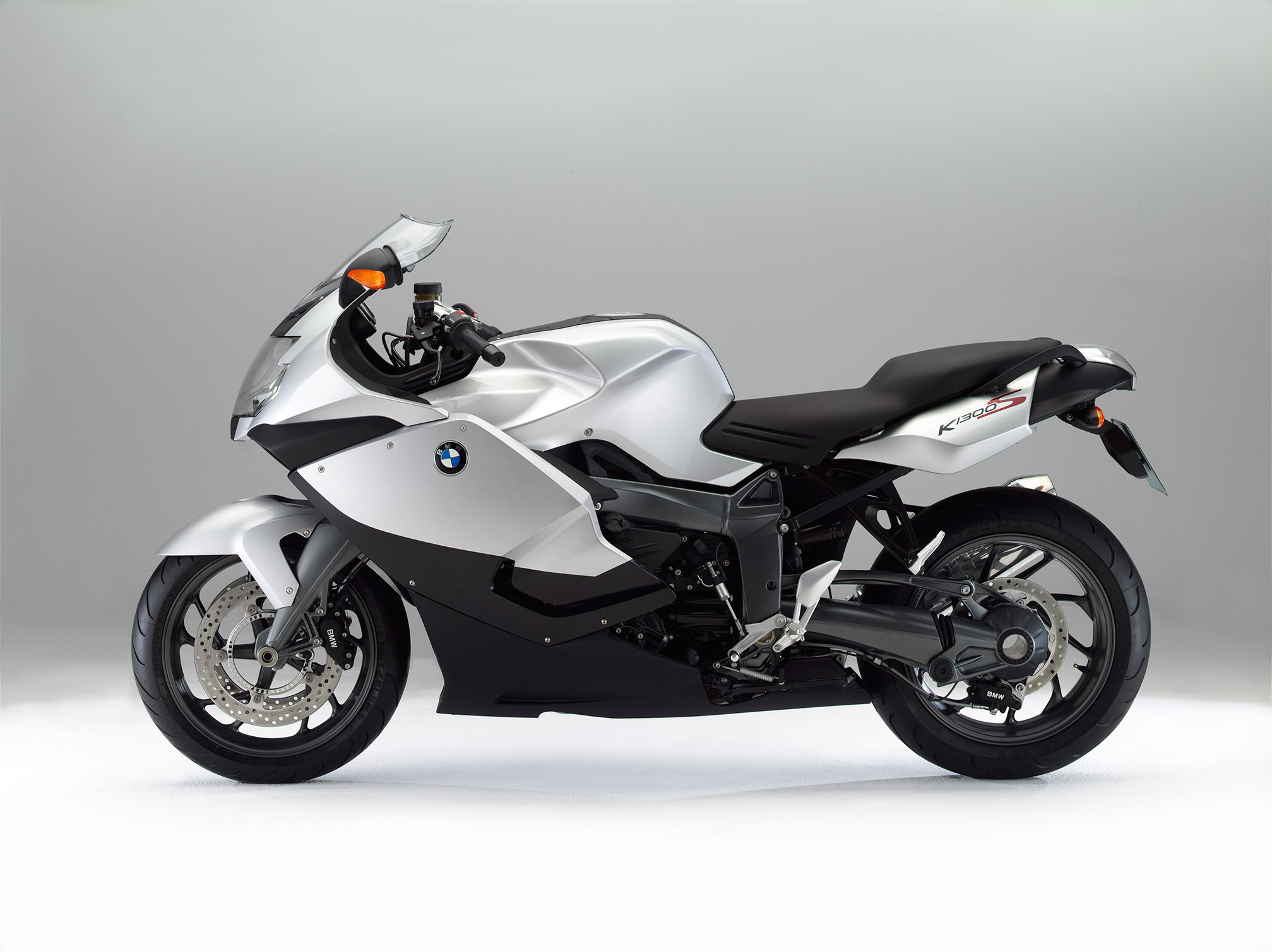 bmw k 1300 s specs 2015 2016 autoevolution. Black Bedroom Furniture Sets. Home Design Ideas