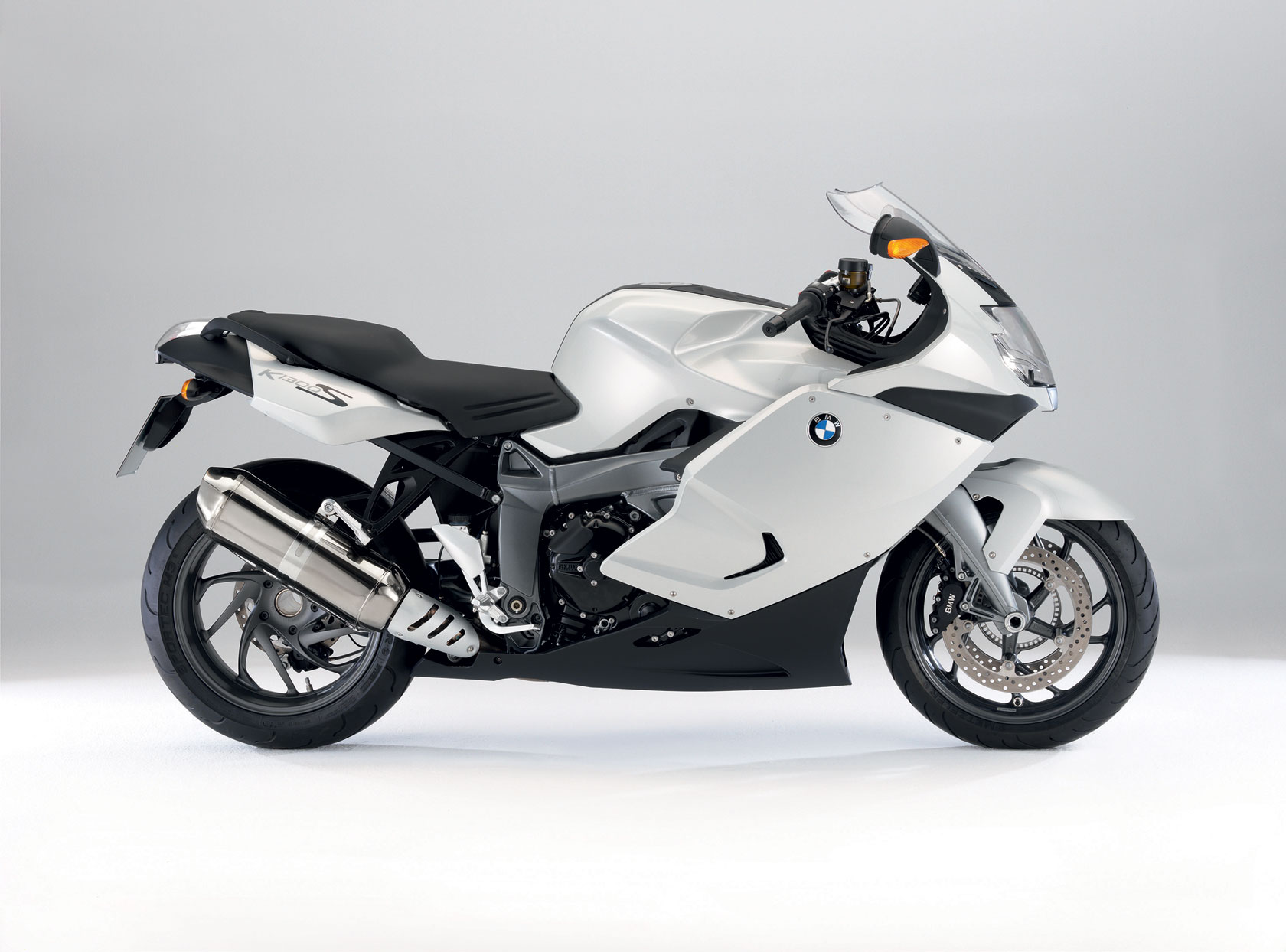 bmw k 1300 s specs 2009 2010 autoevolution. Black Bedroom Furniture Sets. Home Design Ideas
