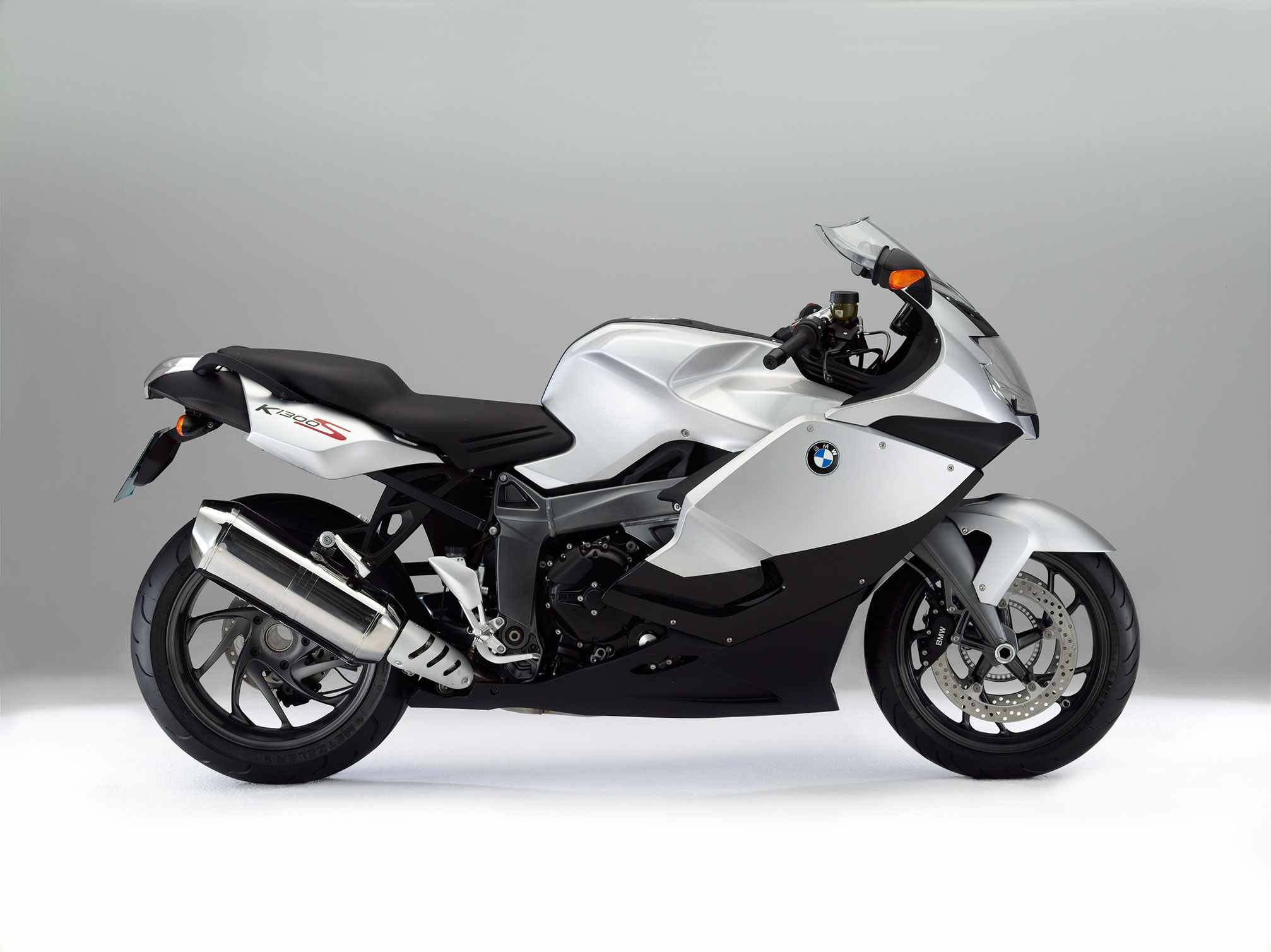 bmw k 1300 s specs 2013 2014 autoevolution. Black Bedroom Furniture Sets. Home Design Ideas
