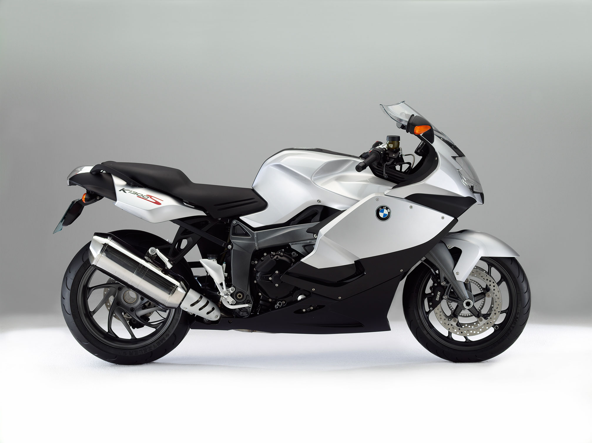 bmw k 1300 s specs 2014 2015 autoevolution. Black Bedroom Furniture Sets. Home Design Ideas