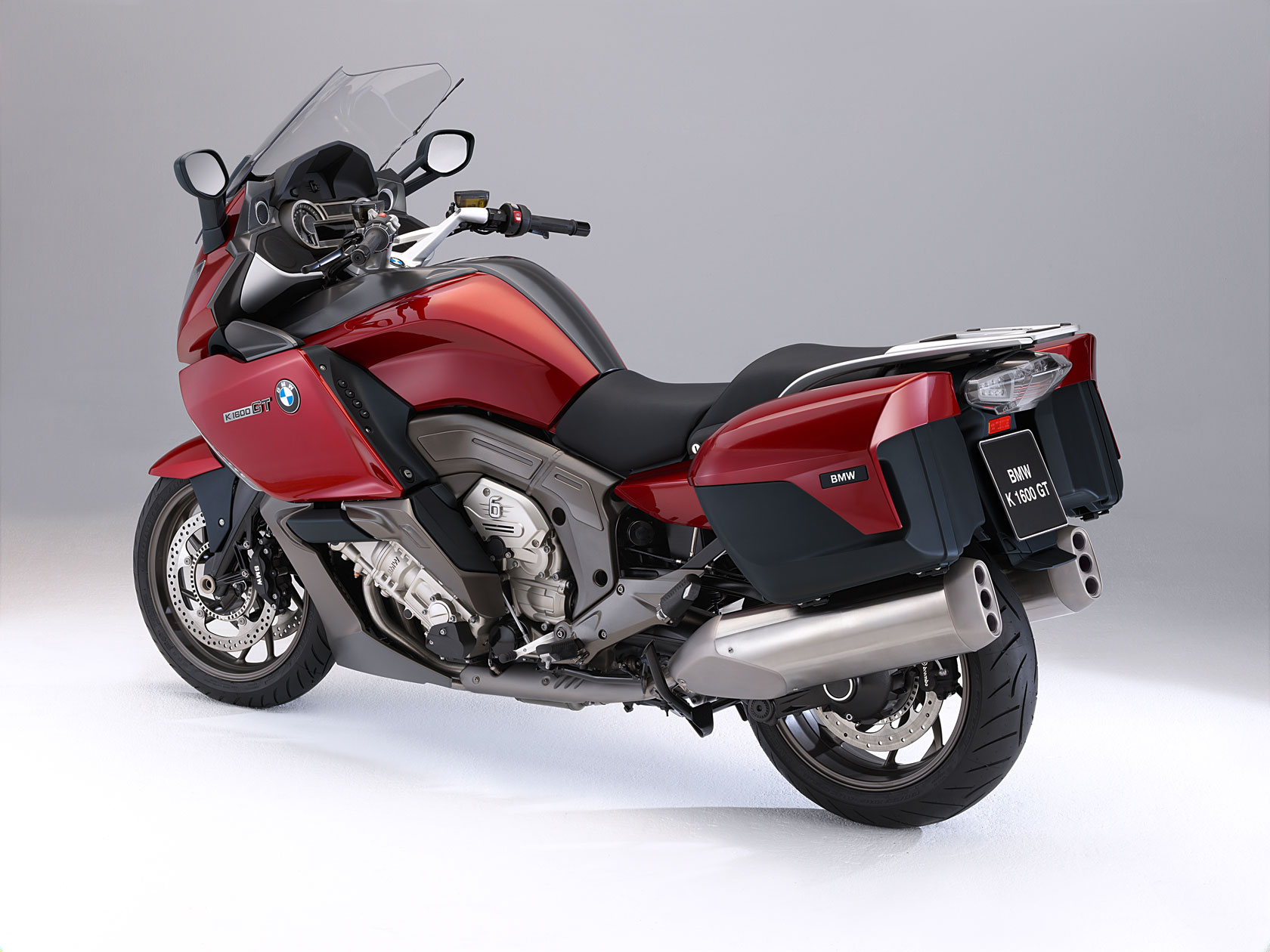 bmw k 1600 gt specs 2010 2011 autoevolution. Black Bedroom Furniture Sets. Home Design Ideas