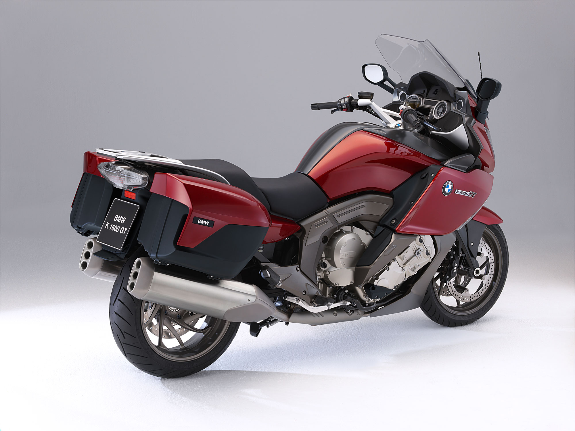 bmw k 1600 gt specs 2011 2012 autoevolution. Black Bedroom Furniture Sets. Home Design Ideas