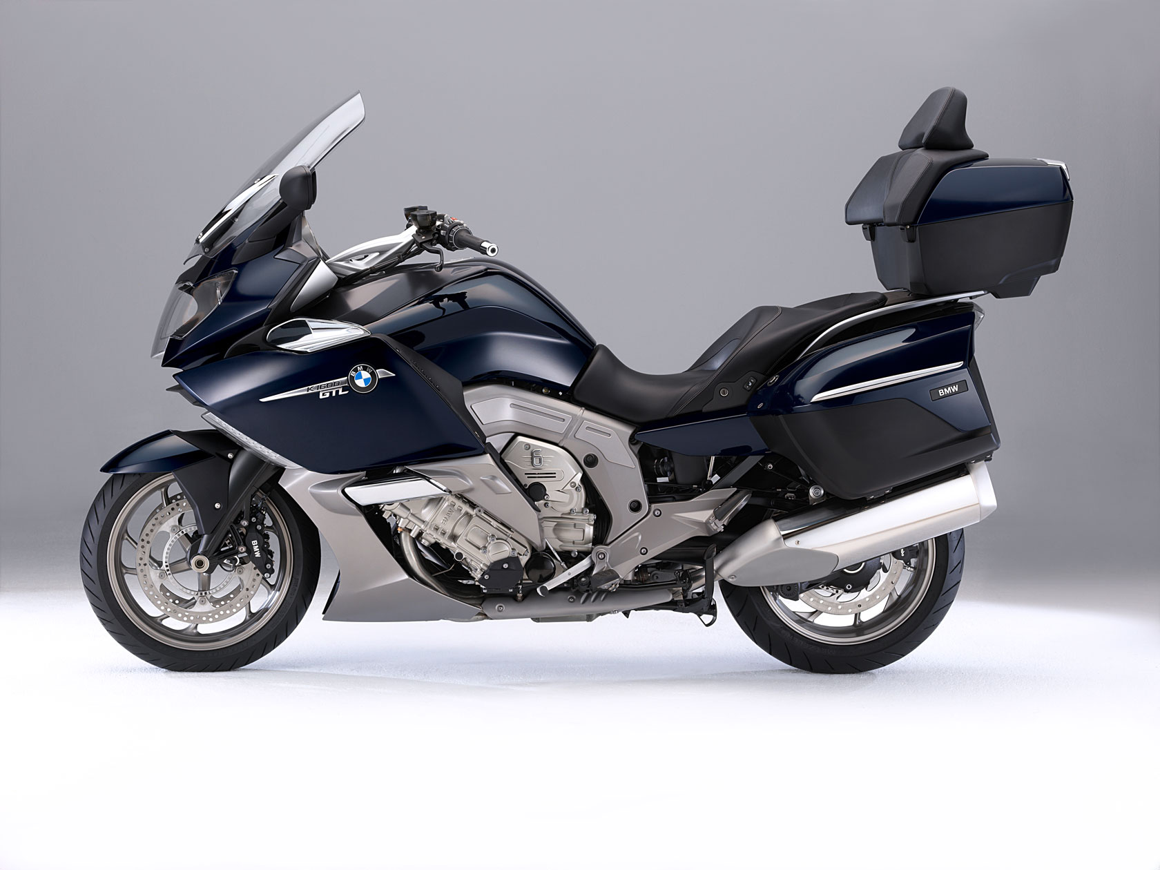 bmw k 1600 gtl specs 2010 2011 autoevolution. Black Bedroom Furniture Sets. Home Design Ideas