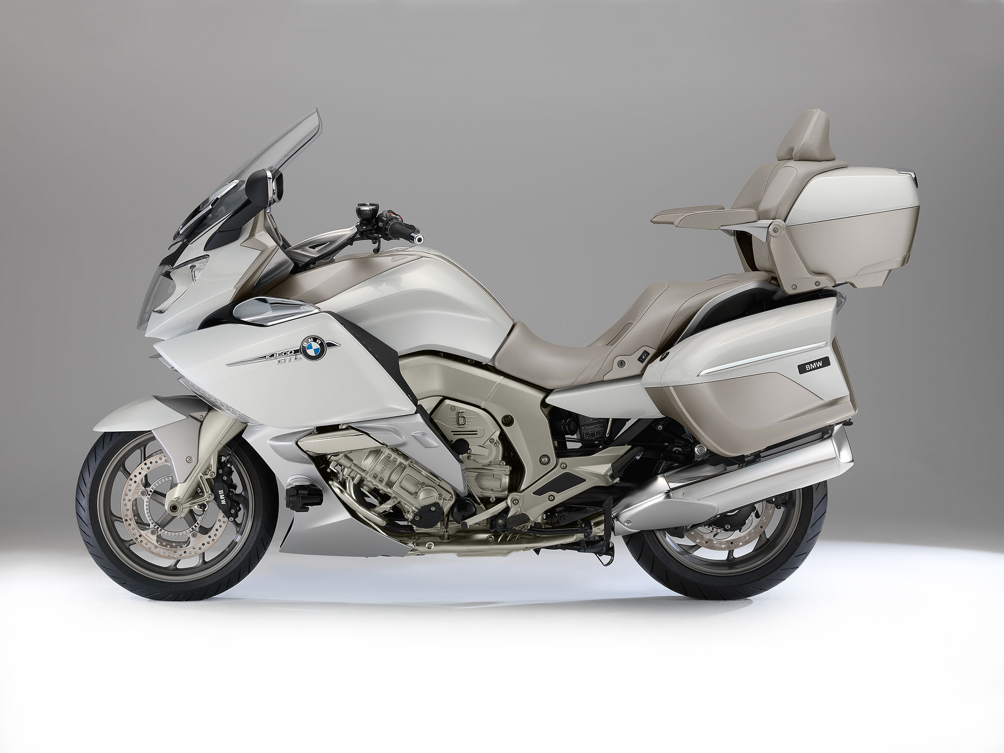 bmw k 1600 gtl exclusive specs 2013 2014 autoevolution. Black Bedroom Furniture Sets. Home Design Ideas