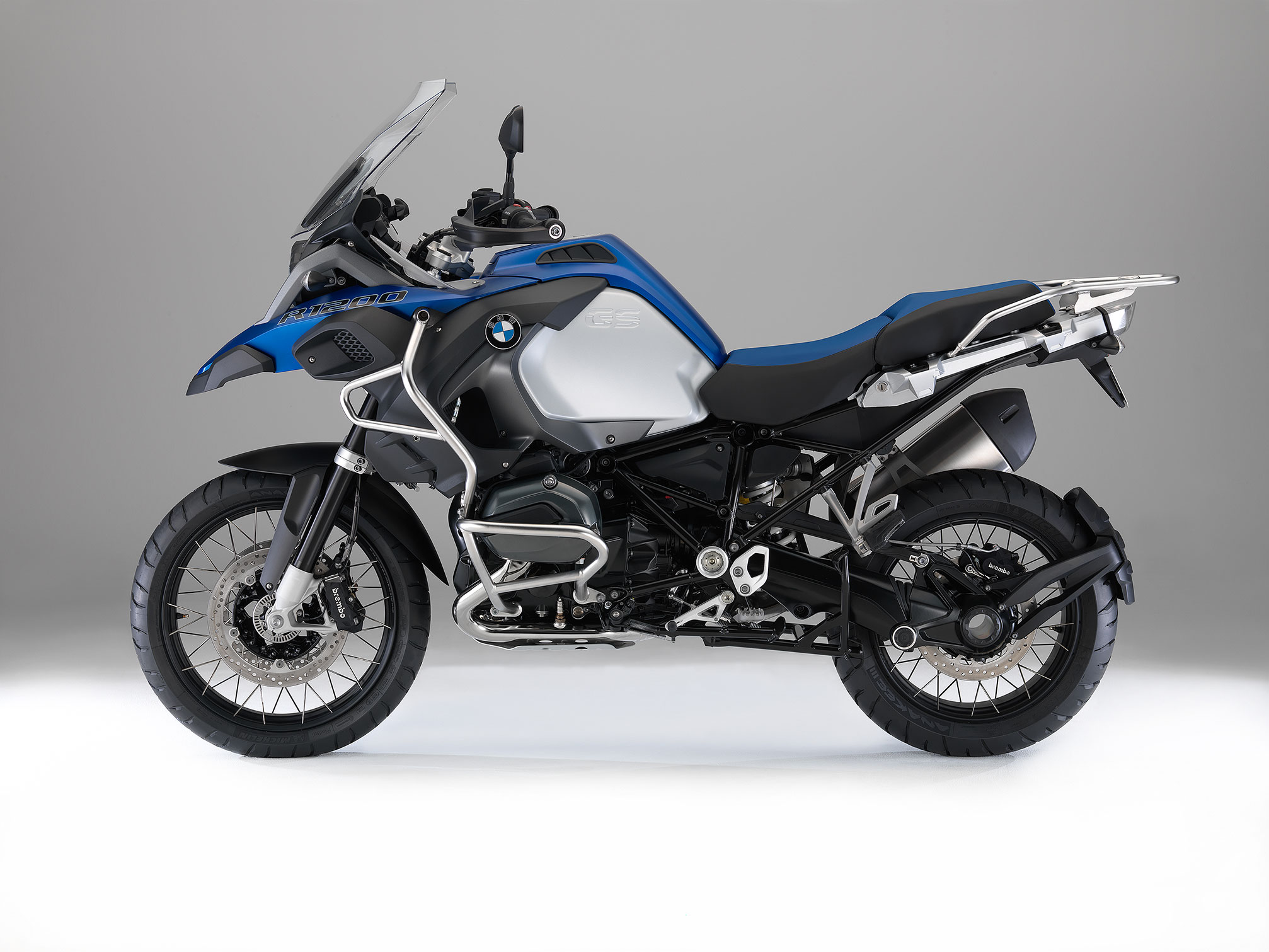 bmw r 1200 gs adventure 2013 2014 autoevolution. Black Bedroom Furniture Sets. Home Design Ideas