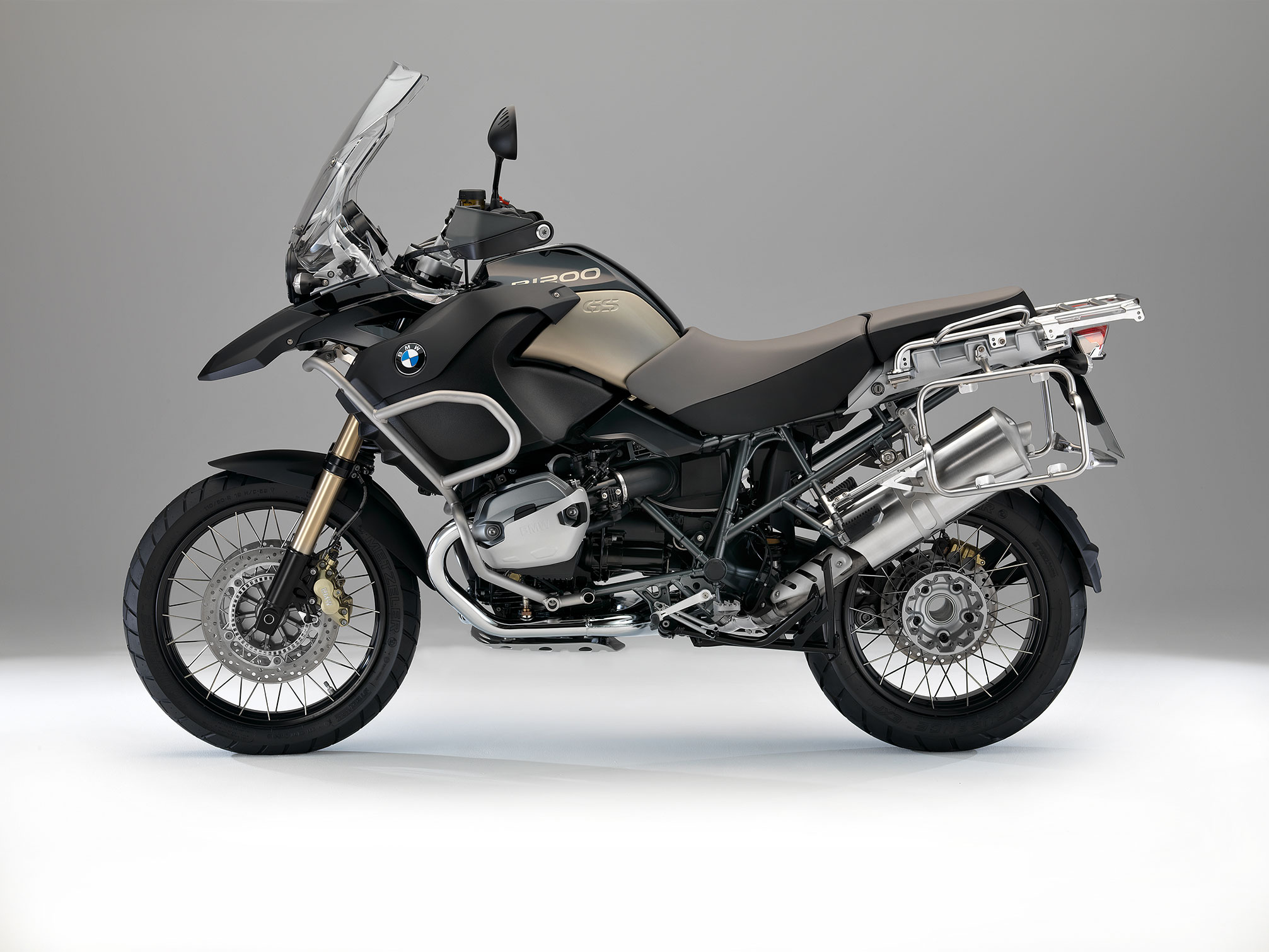 BMW R 1200 GS Adventure 90 Years Special Model specs ...