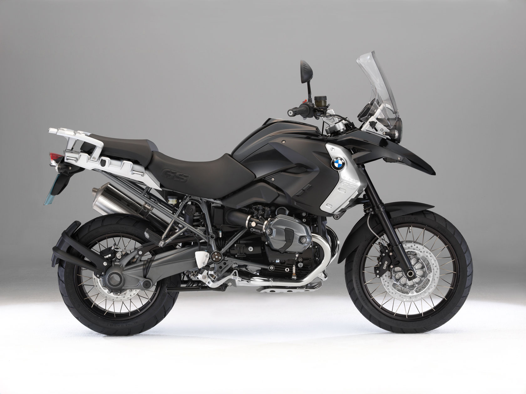 bmw r 1200 gs triple black specs 2010 2011 autoevolution. Black Bedroom Furniture Sets. Home Design Ideas