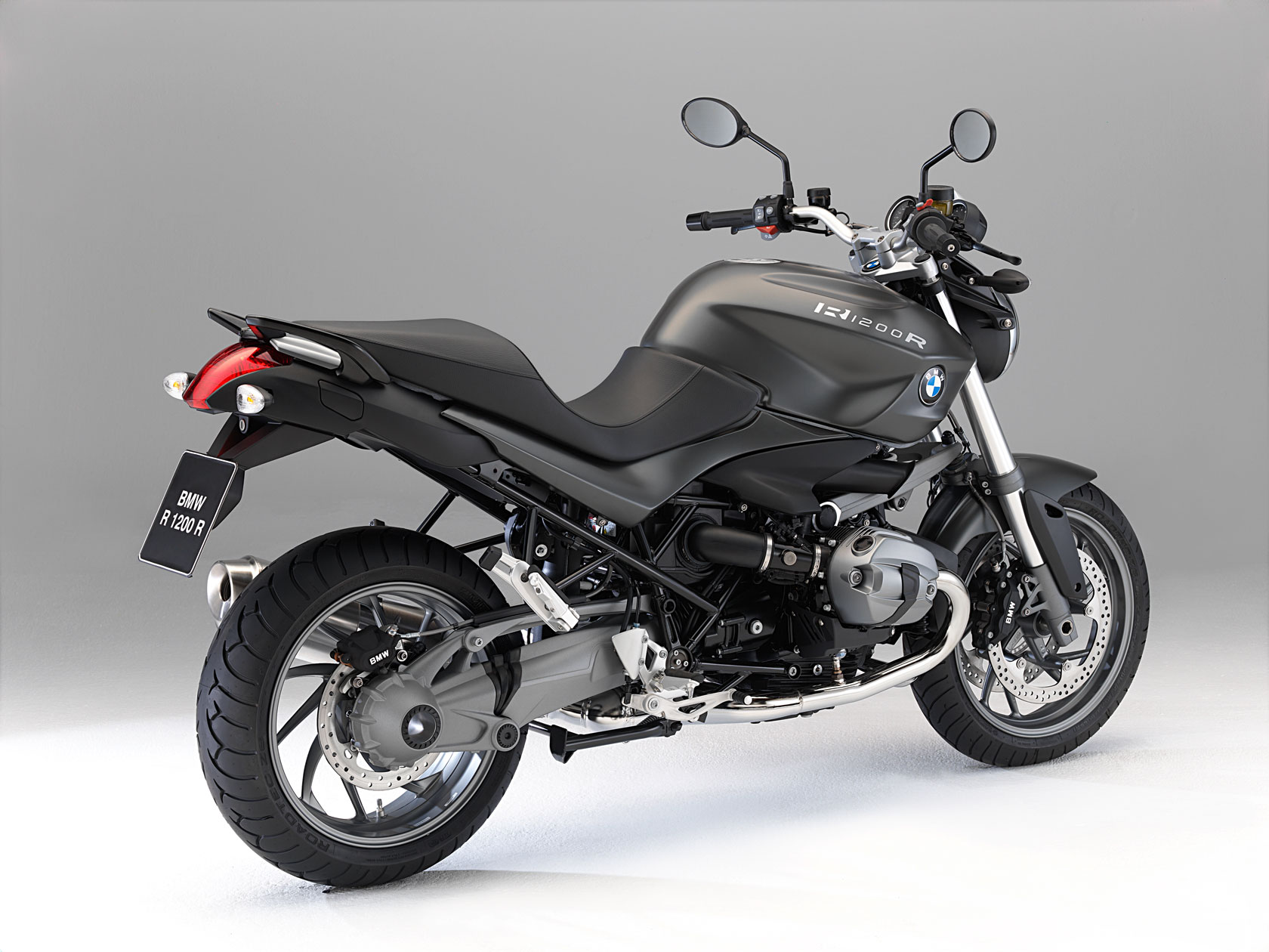 bmw r 1200 r specs 2010 2011 autoevolution. Black Bedroom Furniture Sets. Home Design Ideas