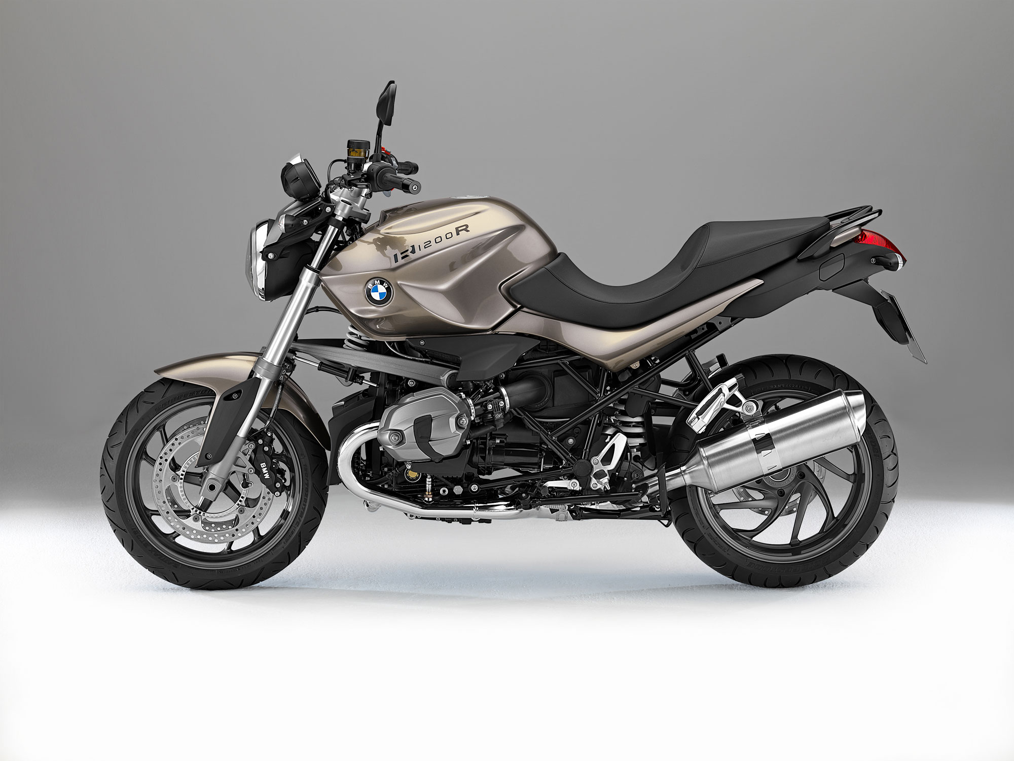 bmw r 1200 r specs 2012 2013 autoevolution. Black Bedroom Furniture Sets. Home Design Ideas