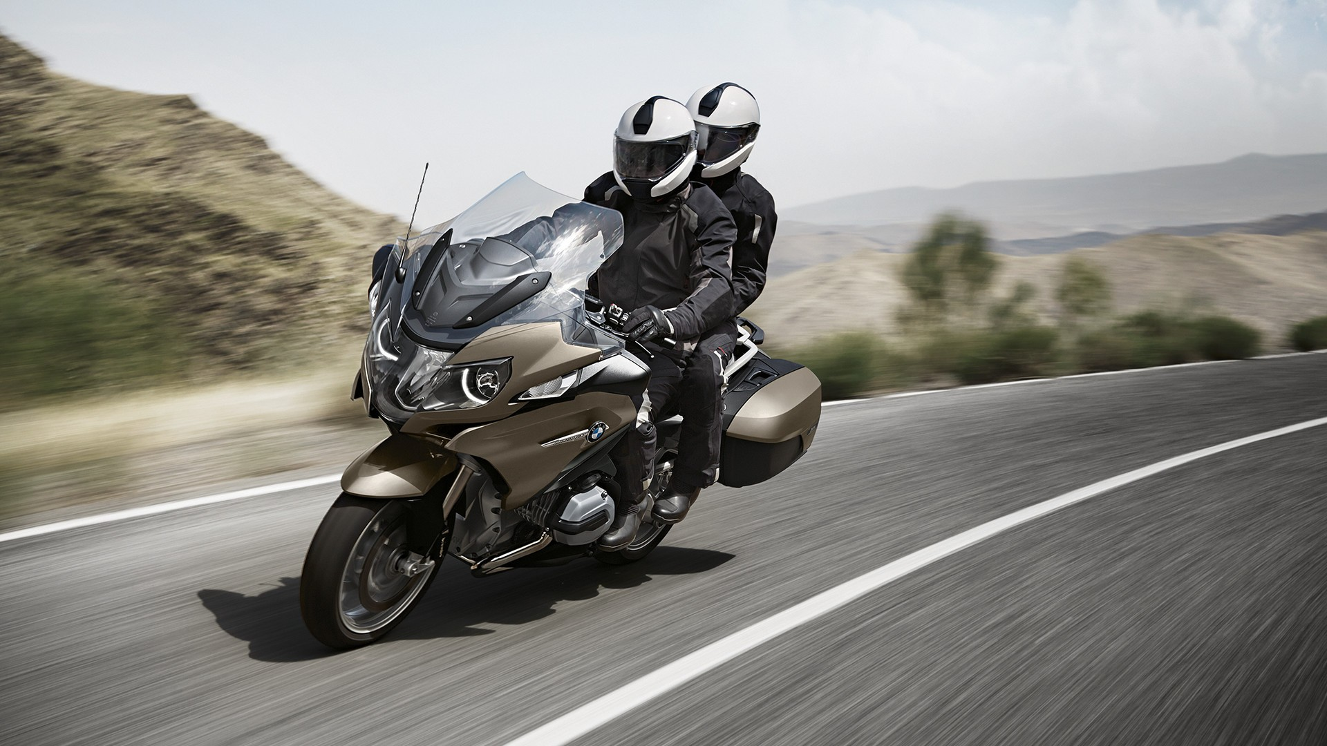 bmw r 1200 rt specs 2015 2016 autoevolution. Black Bedroom Furniture Sets. Home Design Ideas
