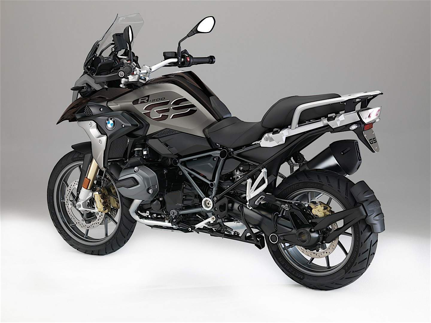 bmw r 1200gs specs 2017 2018 2019 autoevolution. Black Bedroom Furniture Sets. Home Design Ideas
