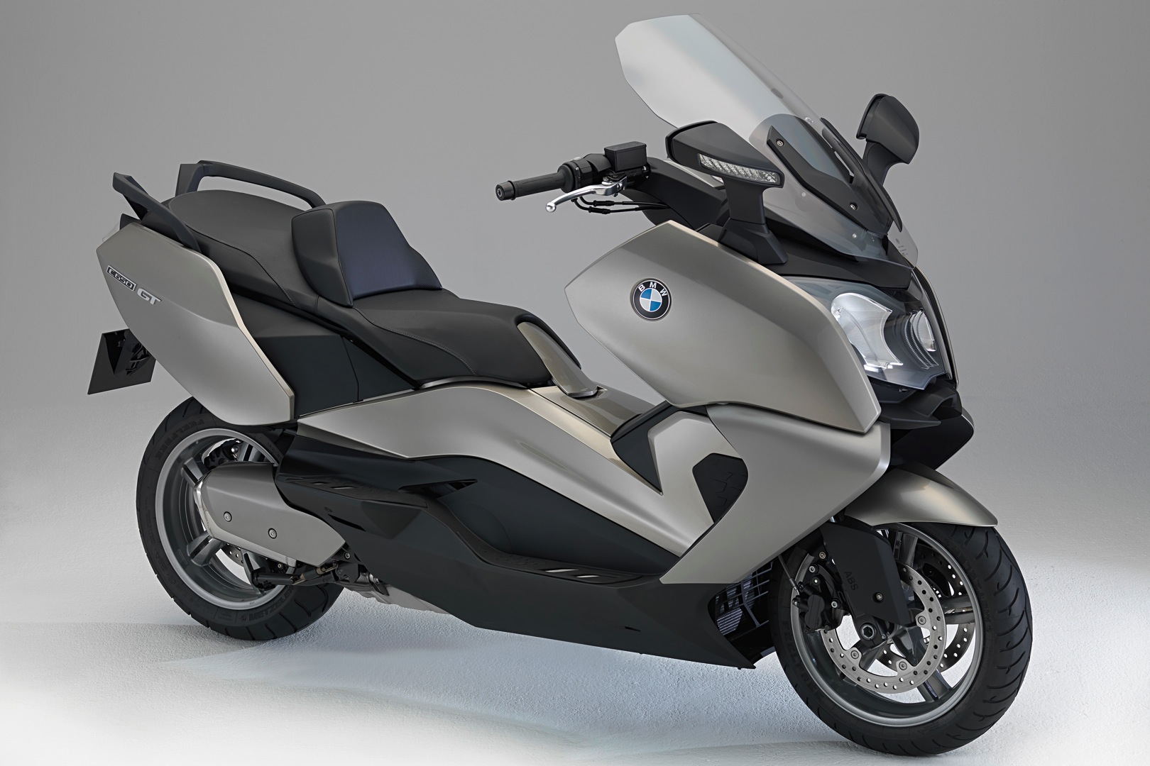 bmw c 650 gt 2011 2012 autoevolution. Black Bedroom Furniture Sets. Home Design Ideas