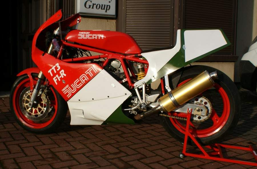 ducati 600 tt2 specs 1982 1983 1984 autoevolution. Black Bedroom Furniture Sets. Home Design Ideas