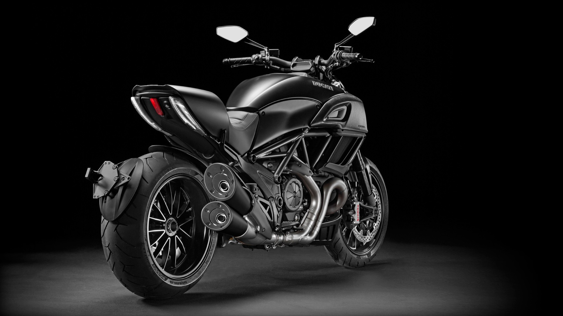 ducati diavel specs 2015 2016 2017 2018 autoevolution. Black Bedroom Furniture Sets. Home Design Ideas