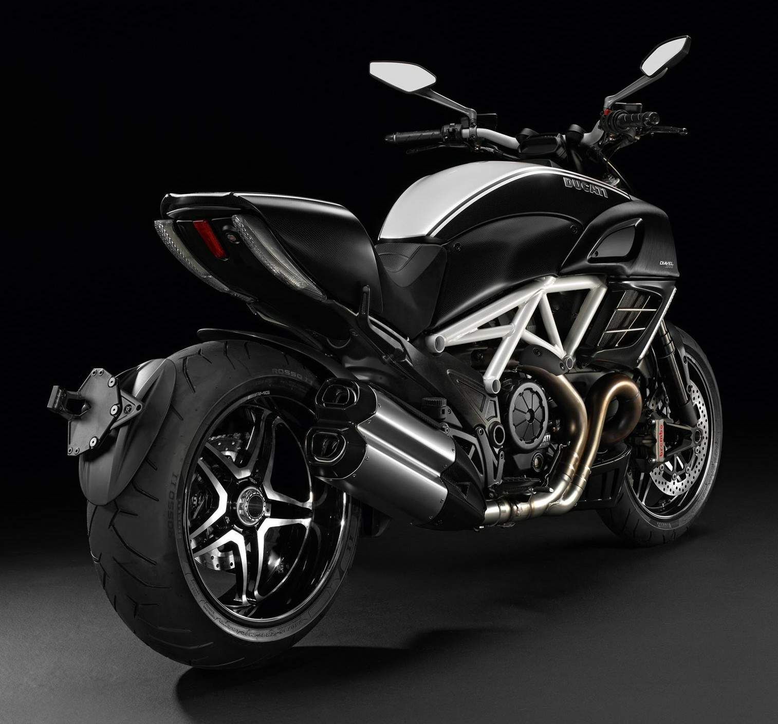 ducati diavel amg special edition specs 2011 2012 autoevolution. Black Bedroom Furniture Sets. Home Design Ideas