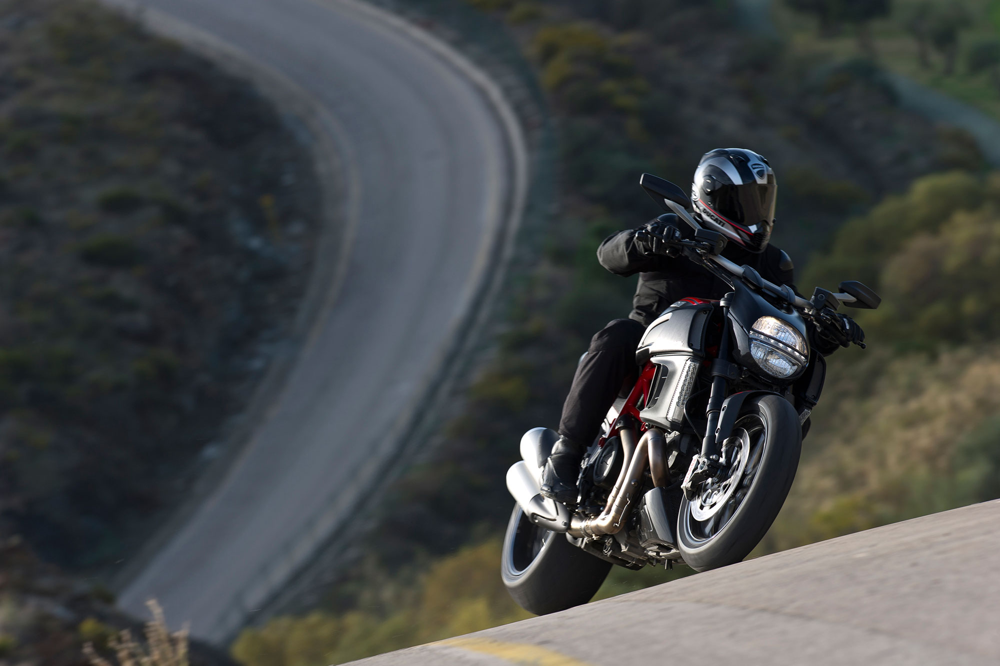 Ducati Diavel Carbon Specs